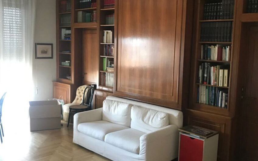 Appartamento Pavia Centro Storico Piazza Vittoria