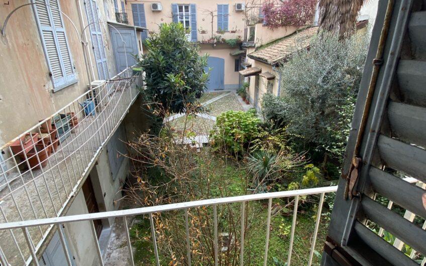 Pavia Corso Garibaldi Affittasi appartamento per 3 studenti arredato