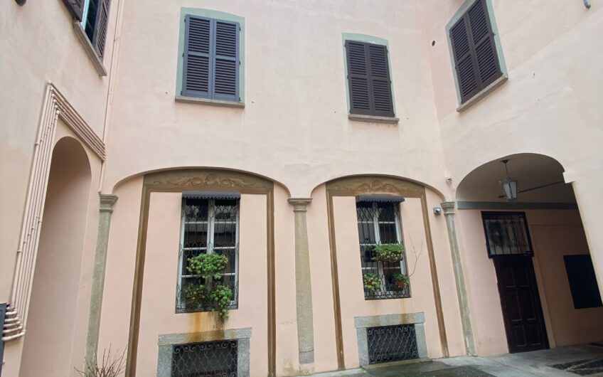 Pavia Corso Cairoli in palazzo d'epoca Nuovo 3 locali + 2 servizi con finiture di pregio